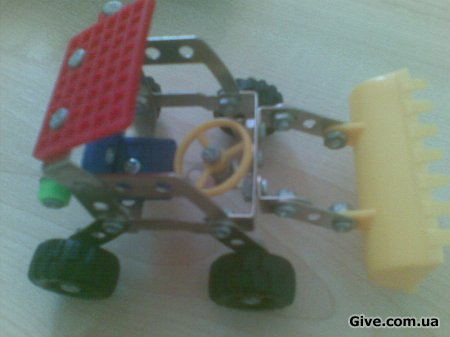 "Дитяча іграшка-конструктор ""Трактор"""