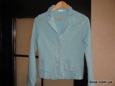 Вещи (блузка для беременной, просто пиджак и повязка на грудь)