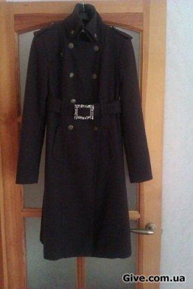 Два женских кашемировых пальто
